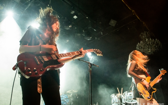 At The Fillmore, Haim reunites the family band