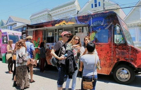 Get ready to grub: Announcing our food trucks for 2016 Phono del Sol!