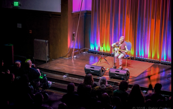 Photos: Kristin Hersh at the Swedish American Hall