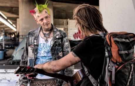 Punks with Lunch provide punk values, PB&J to West Oakland